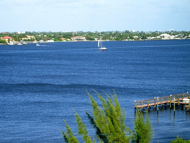 Life and Homes on the Intracoastal Waterway